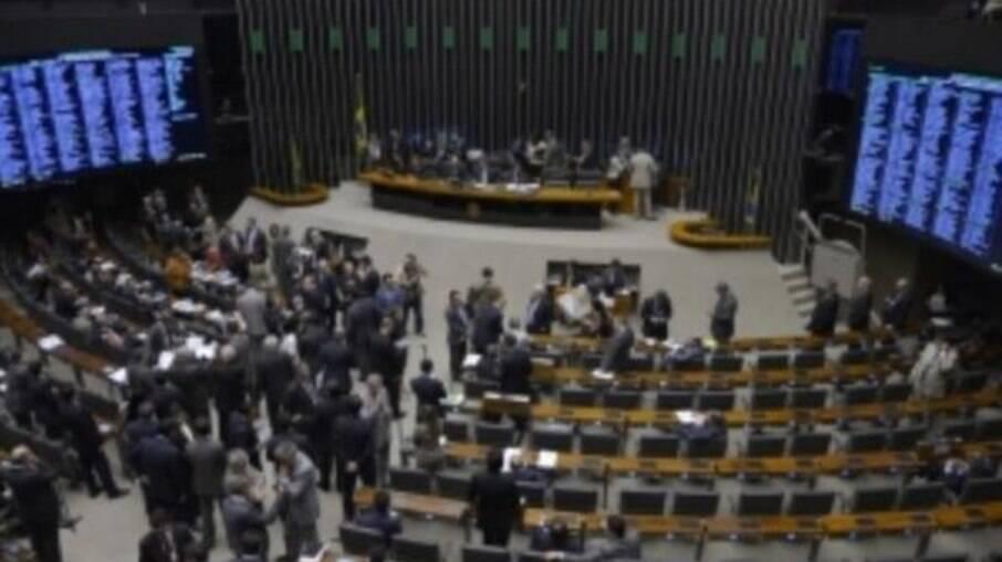 Câmara deve votar PEC Emergencial nesta quarta-feira (10)