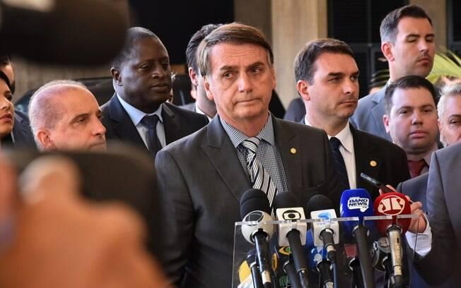 Em coletiva de imprensa, Jair Bolsonaro reafirmou que não dará indulto a presos durante os seus anos de mandato