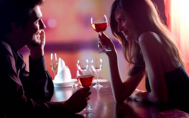 De acordo com a pesquisa, apesar de o álcool ser relacionado com relaxamento, é possível que casais que bebem mais sejam menos satisfeitos com o próprio relacionamento e ainda tenham problemas na vida sexual