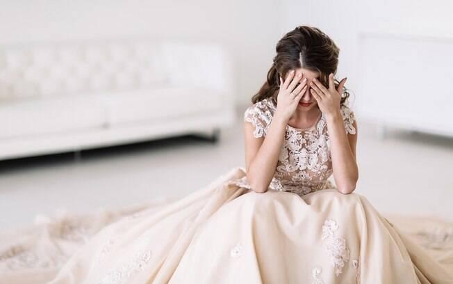Nos comentários do caso da noiva, alguns usuários concordaram com a atitude do convidado que comeu o bolo antes