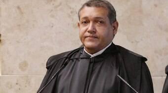 Nunes Marques interrompe julgamento sobre decretos