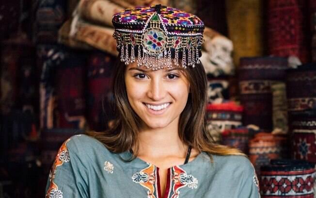 Lexie posando durante sua viagem ao Paquistão