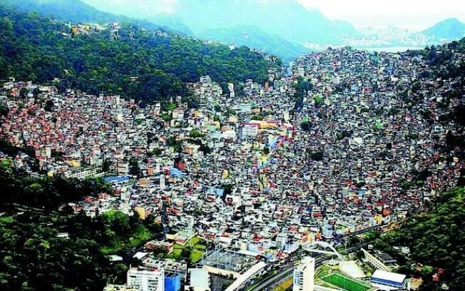 Imagem geral da favela da Rocinha, a maior do Rio, que viveu noite de violência no Natal