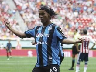 Ronaldinho Gaúcho fez seu primeiro gol com a camisa do Querétaro