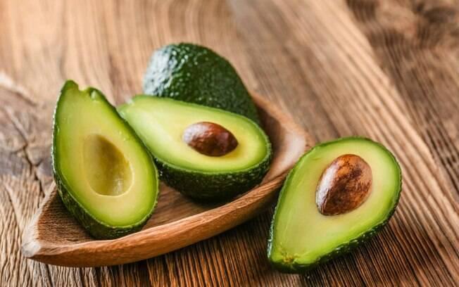 O abacate é um dos alimentos afrodisíacos, estimulando a lubrificação íntima