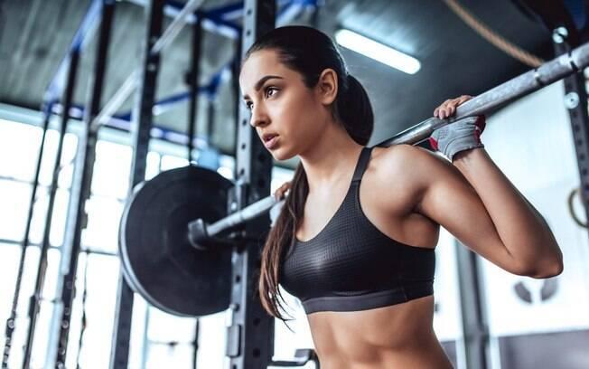Já em relação ao emagrecimento, Samorai declara que a musculação é eficaz, mas não é o melhor método