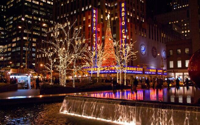 Uma dica de atração para uma viagem para Nova York é assistir ao musical natalino  musical