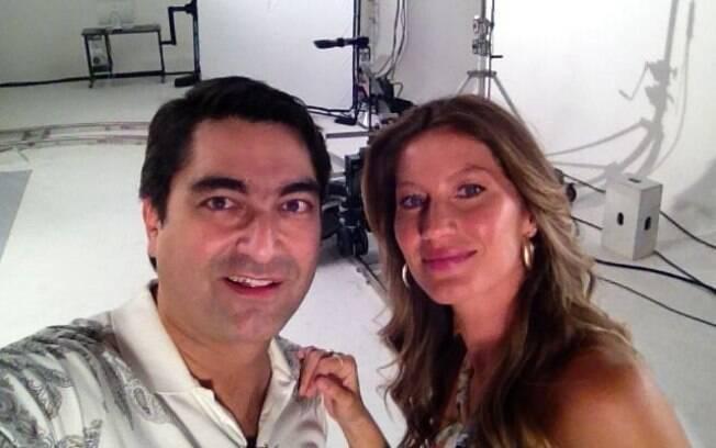 Zeca Camargo encontra Gisele Bündchen e registra a cena com seu celular