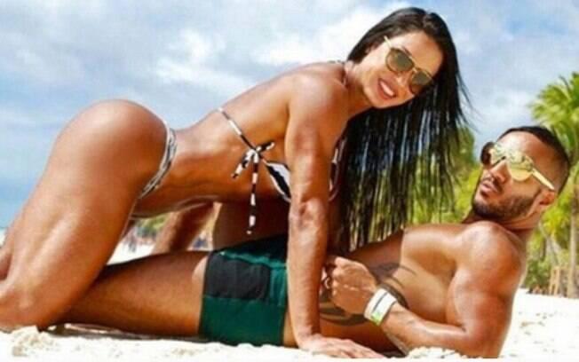 O casal já admitiu que fez sexo em alguns lugares bem inusitados, entre eles, em camarins e em uma emissora de TV
