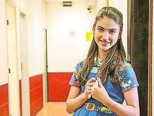 Giovanna Grigio dá vida a Mili, protagonista da atração do SBT