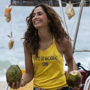 O ar praiano de Camila Pitanga foi conquistado com corte em camadas