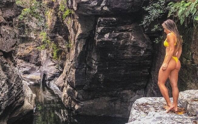 Com tudo! Bruna Griphao posta foto durante viagem para Chapada dos Veadeiros e mostra corpão!