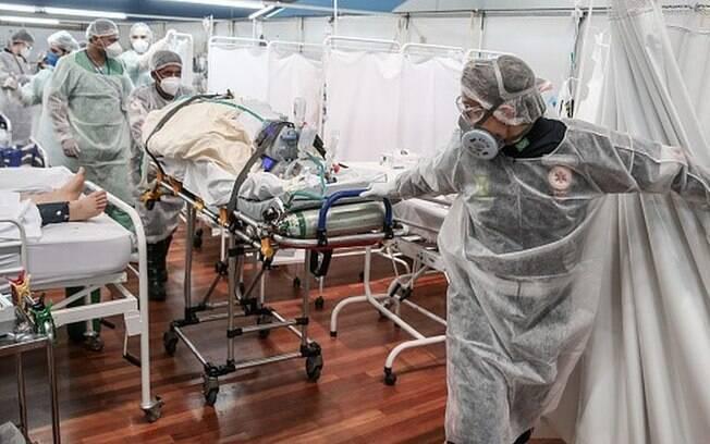 Covid-19: comportamento da população na pandemia 'decepciona', diz diretor do Sírio Libanês