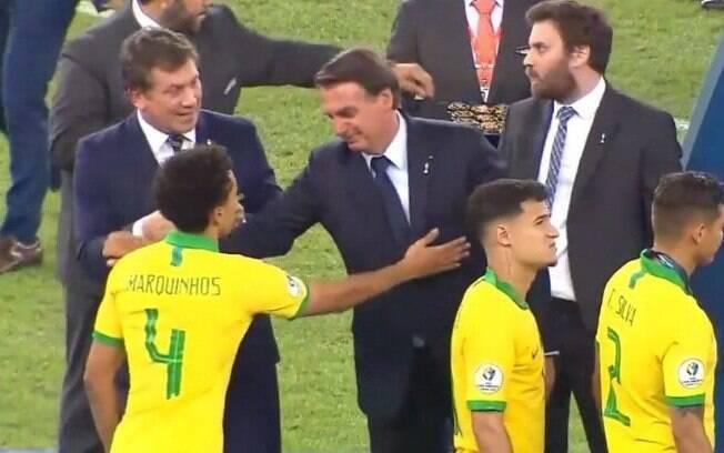 Marquinhos cumprimenta Bolsonaro