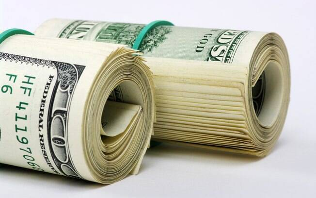 Dólar chegou a R  3 82391747504f7