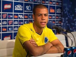 Contra o Coritiba, Mayke deu o passe que resultou no gol de Luan, o da vitória celeste
