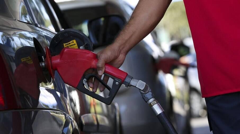 Governo aumentou tributação à bancos para reduzir impostos do diesel e gás de cozinha