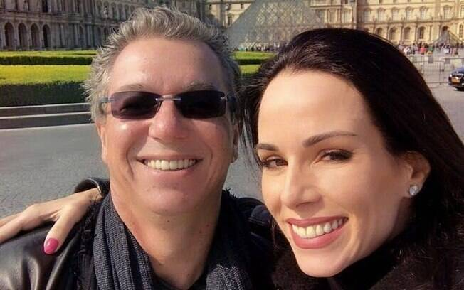 Boninho e sua esposa, Ana Furtado, com quem tem uma filha chamada Isabella
