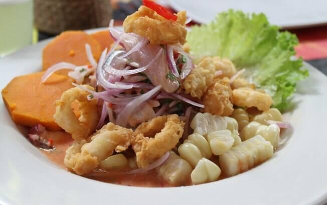 No ceviche peruano não pode faltar choclo (tipo de milho) nem camote (espécie de batata cor de laranja)