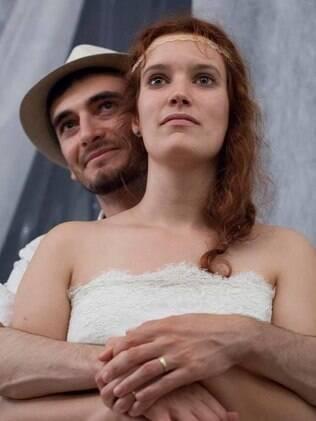 A fotógrafa Malika Gaudin-Delrieu com o marido em foto do seu Facebook