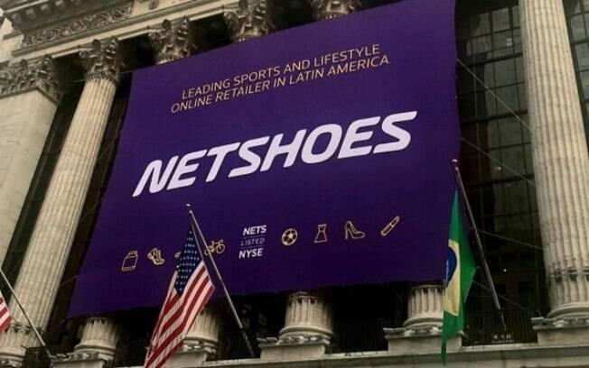 Bolsa de Nova York decorada para abertura do capital da Netshoes