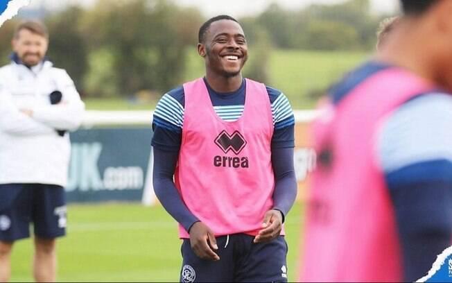 Osayi-Samuel sofreu ataques em rede social
