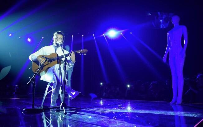 Tiago Iorc se apresentou no MTV Miaw