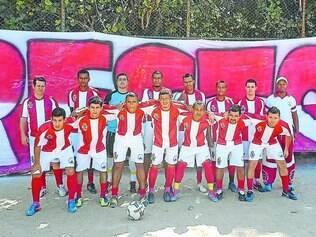 Resto do Morro.    Equipe contagense do bairro Bandeirantes conta com o apoio da torcida na grande decisão do campeonato
