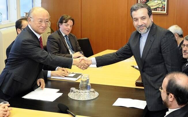Irã anuncia avanço em negociação para acordo nuclear definitivo