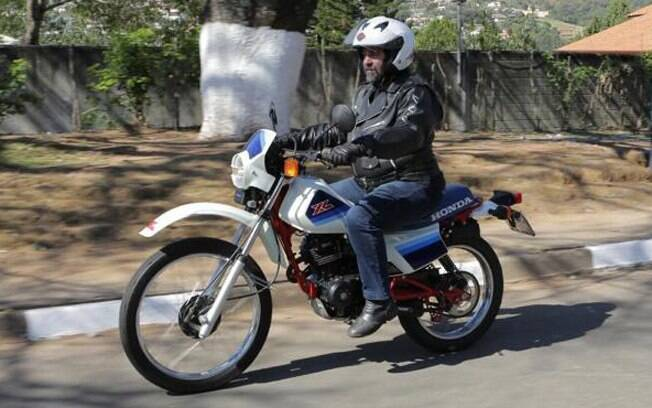 """A Honda XL 125S 1987 """"xiselinha"""" não andava muito, mas era bonitinha e valente"""