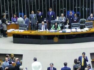 Poder e dinheiro. Para especialistas, parlamentares brasileiros trabalham em benefício próprio