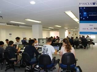 Maratona hacker da CET reuniu 51 pessoas