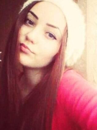 Anna Ursu, de 18 anos, encostou em um fio de energia elétrica