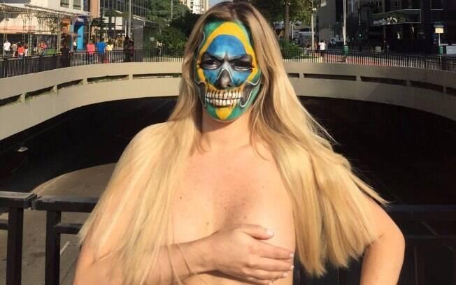 Ju Isen prometeu greve de sexo até o impeachment de Dilma