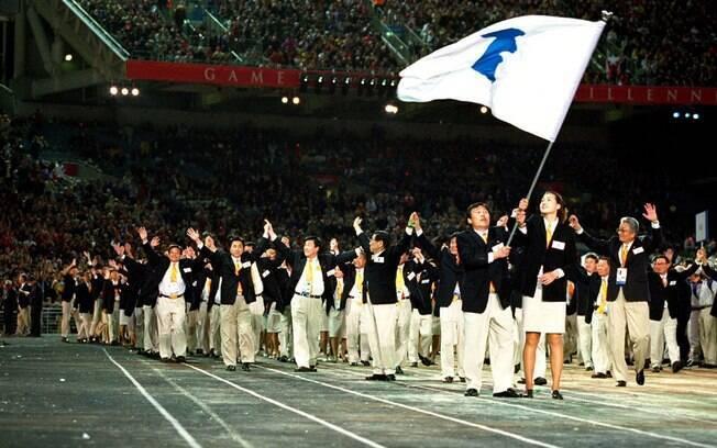 Coreias desfilando juntas nas Olimpíadas de Sydney, em 2000