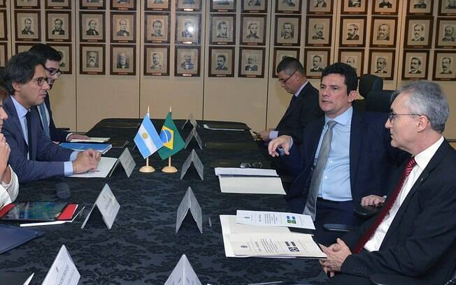 Ministro Sérgio Moro se reuniu hoje com ministros argentinos para discutir extradição