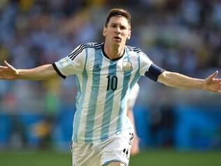 Seguindo os passos de Maradona, Messi é o grande craque do futebol argentino na atualidade