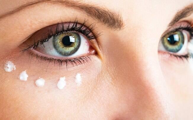 Saiba como combater as olheiras e bolsinhas abaixo dos olhos