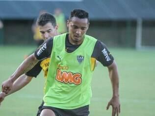 Rosinei poderá ser titular contra o Santos neste domingo, na Arena Pantanal, em Cuiabá