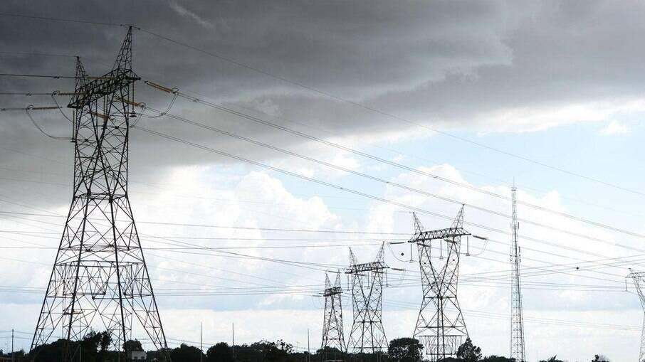 Governo autorizou o fornecimento de energia termelétrica por seis meses