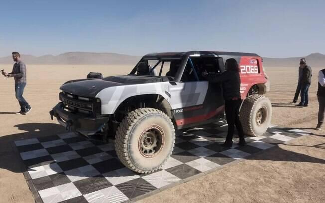 O SUV off-road Bronco R mostra como será o futuro veículo da Ford, ressuscitado agora com a tecnologia híbrida