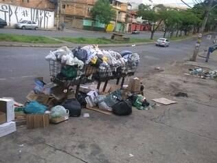 Prefeitura afirma que coleta é realizada três vezes por semana