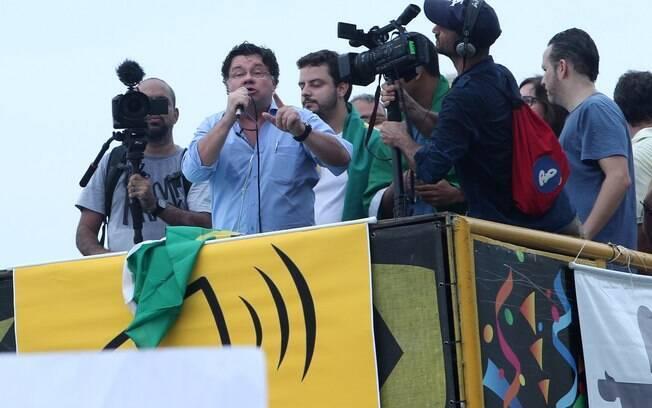 Marcelo Madureira, ex-Casseta & Planeta, participa do protesto anti-Dilma, em Copacabana, Rio de Janeiro. Foto: Marcello Sá Barretto / AgNews