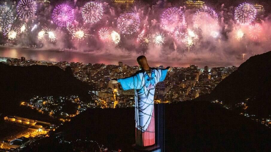 Visto do Cristo Redentor durante o Réveillon do Rio
