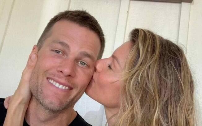 Maior campeão da NFL, Tom Brady faz post romântico com Gisele Bundchen no Valentine's Day