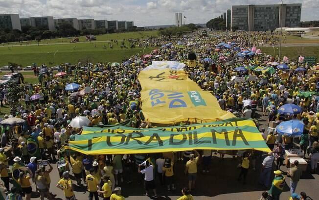 Em Brasília, os manifestantes partiram da Praça do Museu em direção a Esplanada dos Ministérios