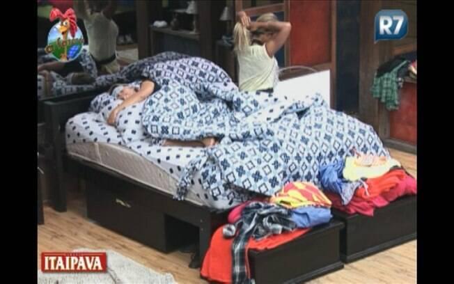Valesca foi a única a se levantar da cama