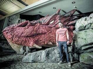 Outro lado do mundo.   Fraiha é agora funcionário da Weta Films, produtora de Peter Jackson sediada na Nova Zelândia, nova casa do mineiro