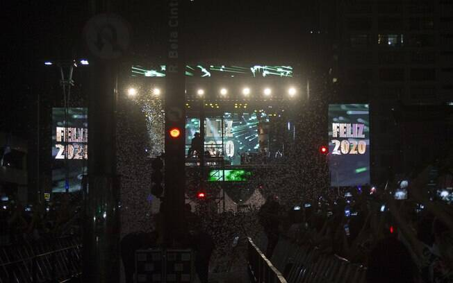 Shows e queima de fogos aconteceram na Avenida Paulista, em São Paulo