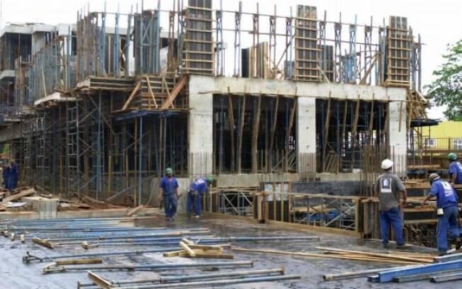 Empresários da construção civil estão mais otimistas neste começo de ano, aponta a FGV